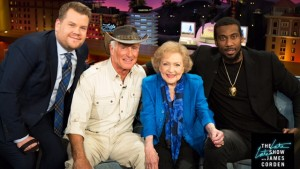 Animal expert Jack Hanna brings along some friends for Stoudemire to see up close.